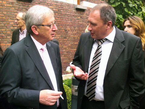 CEO Peter Wiedemann talking with President of the European Commission Jean-Claude Juncker